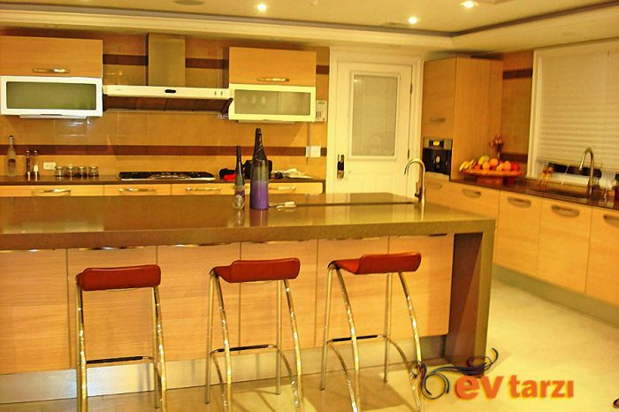 ev-tarzi-laminant-mutfak-modelleri-09